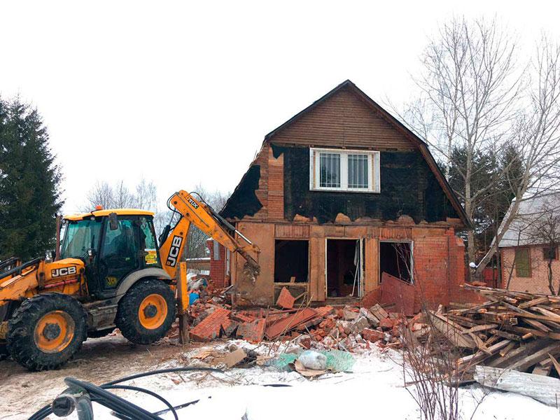 фото демонтажа кирпичного дома